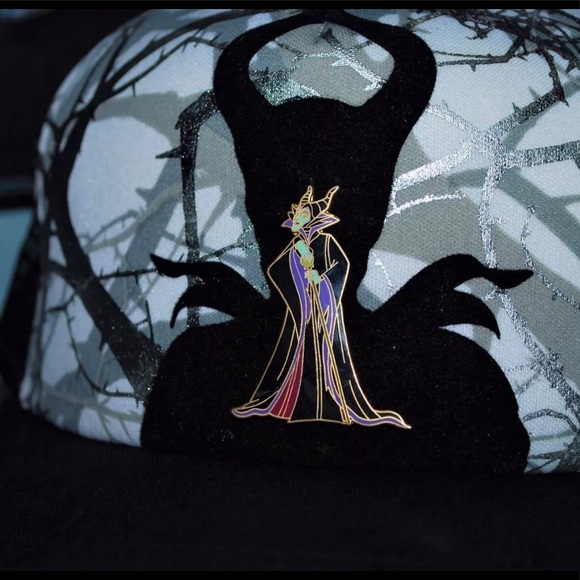 Disney Maleficent Snapback Hat W Collectible Pin